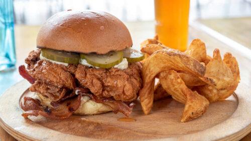 Sándwich de pollo con jocoque