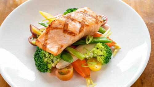salmón del atlántico asado